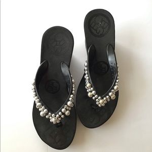 BCBG generation black and silver beads sandals